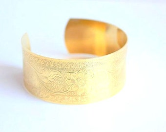 Gold plated cuff bracelet, engraved with flowers/ Love in Bloom Collection/ Limited edition/ Wedding