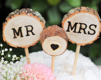 Wedding Cake Topper, Mr loves Mrs, rustic wedding cake topper, wedding decorations, tree slice cake topper