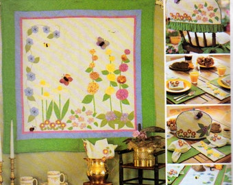 McCalls 3204, Appliqued Wall Quilt, Toaster Cover, Place Mats and Chair Topper pattern, American Tradition Quilted Items Sewing Pattern