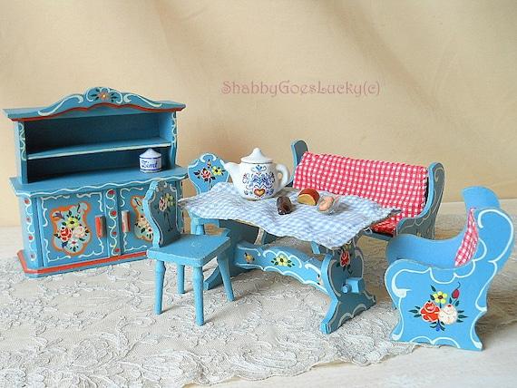 dora kuhn puppenhaus miniatur k chenm bel festlegen der. Black Bedroom Furniture Sets. Home Design Ideas
