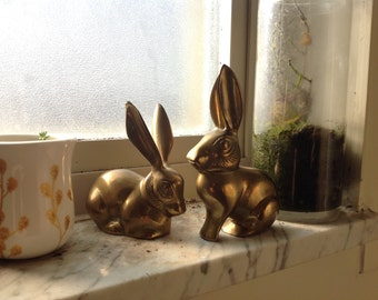 Small brass rabbit set