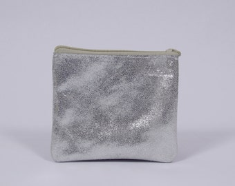 Martha - silver leather case