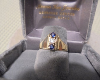14 KT Gold  BlueSapphire /White Diamond  Petite Vintage Ring  made in Hawaii