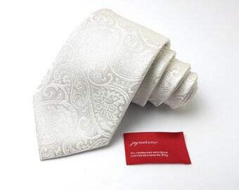 Silk Tie in Paisley White on White