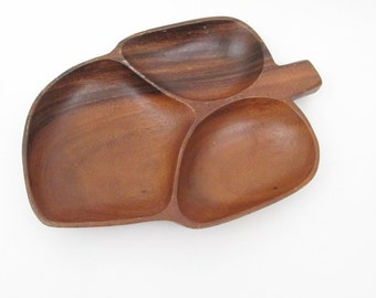 Monkey Pod Wooden Serving Tray / Vintage Wood Leaf Shaped Server