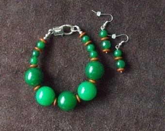 Chunky Jade Bracelet and Earrings Set / Ensemble Bracelet et Boucles d'Oreilles en Grosses Billes de Jade (YDTL001)