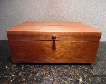 Cedar Jewelry  Box with Special Mom Sentiment Engraved on the Top and One Removeable Oak Tray, Jewelry, Leather Lined, Wooden Box
