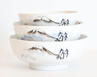 Vintage Japanese Serving Bowl Set, Stacking Nesting Bowls Hand Painted Serving Dishes Mountains and Blossoms, Made in Japan