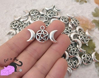 4 Charms with triple moon and pentacle - antique silver tone - SP23