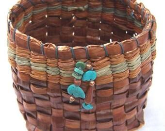 Vintage Artist Handmade Pine Basket Turquoise Goldstone Copper Deco       **RL