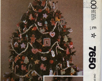 Christmas Decorations, Ornaments Pattern - McCall's 7650, Stockings, Picture Frame