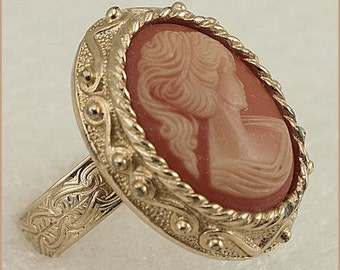 Vintage Signed Sarah Coventry Canada Cameo Ring