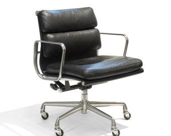 Herman Miller Eames Aluminum Group Soft Pad Swivel Chair