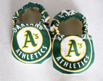 Baby booties A's