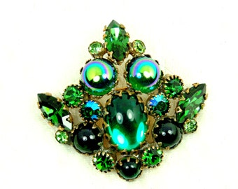 Vintage Green Rhinestone and Cabochon Brooch / Missing Dangles