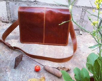 Gorgeous Real Leather Messenger bag for Macbook 13 inch