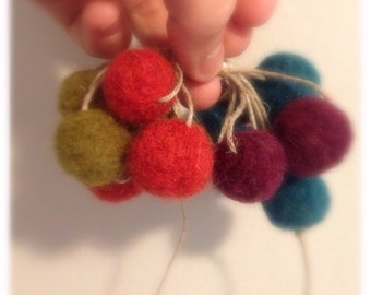 Felted Wool Ball Garland // Needle Felted