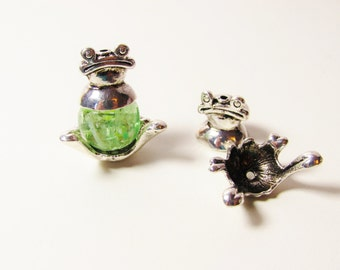 D-00553 - 2 Pieces Bead Frame Frog