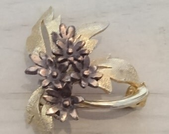 Vintage Hollywood flower spray brooch
