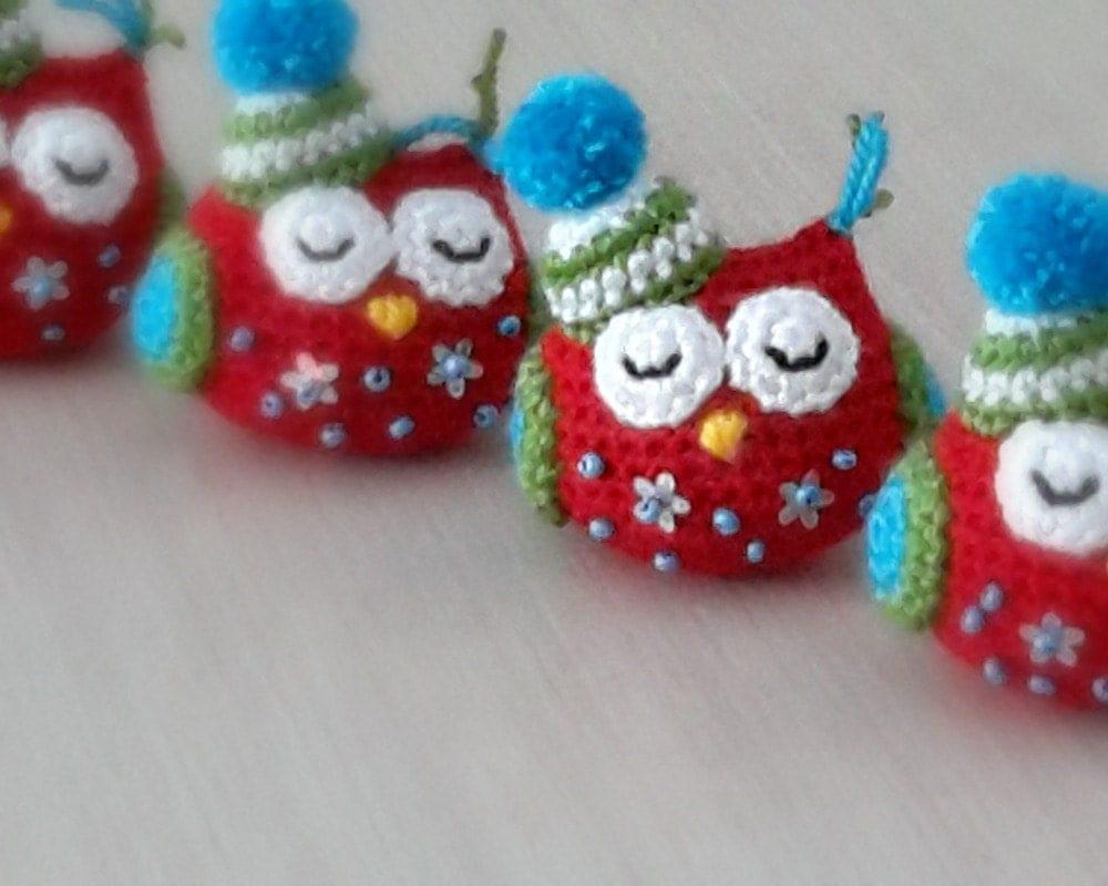 Amigurumi Crochet Christmas Ornaments : Christmas ornament amigurumi owl. Handmade crochet soft