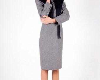 Wool dress with asymmetric collar detail