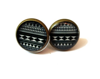 Southwestern STUD Earrings - black and white - Aztec Design - Mexican - Antique Bronze - 10mm studs - tiny studs