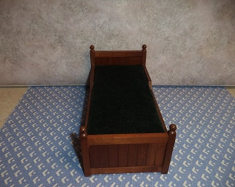 1:12 scale Dollhouse miniature Older Trundle bed
