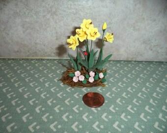 1:12 scale Dollhouse Miniature Daffodil Flowers