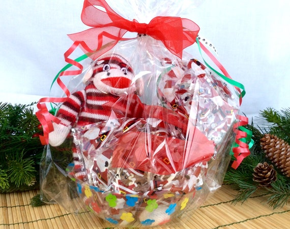 Fido's Dog Bowl Gift Christmas Basket with Fresh Baked Treats and a Toy!