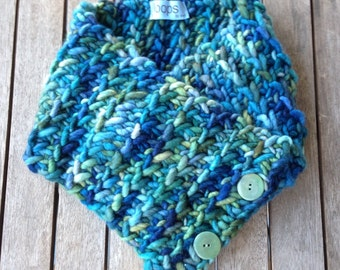 Knit cowl, knit scarf, fashion scarf, infinity cowl, cowl, chunky knit, rainbow, Neck scarf, hand knit, merino wool, chunky knit cowl