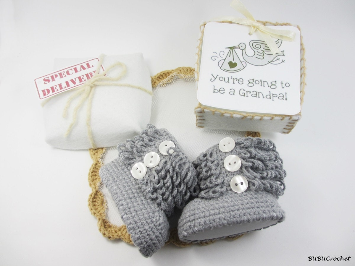 Pregnancy Announcement Baby Gender Reveal Cute baby shoes Gray – Gifts for Baby Announcement