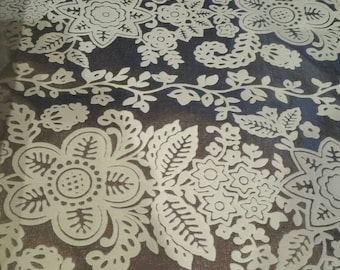 Flocked foil wallpaper, silver with white flocking