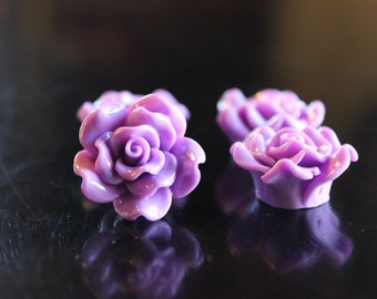 4 rose resin beads, lilac, 24 x 13 mm, hole 1.5 mm