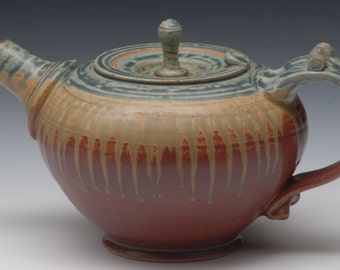 Wheel Thrown Stoneware Teapot. Hand Made. Studio Pottery.