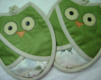 Nature Owl , Who Owl Green and Cream, Pocket Potholders, Owl Oven Mitts, Owl Hot Pads, Pot Holders
