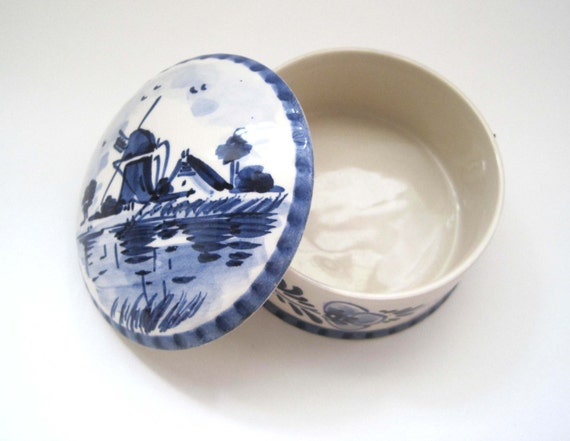 Dutch Royal Delft Round Trinket Ring Box Signed With Lid