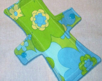 Retro Floral 8 in. Light Flow Cloth Pad