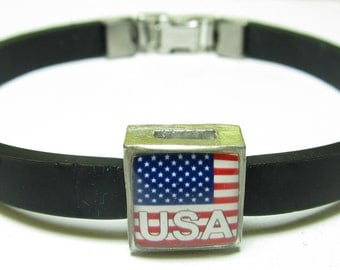 Patriotic USA American Flag Link With Choice Of Colored Band Charm Bracelet