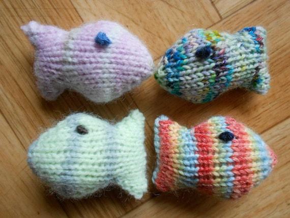 Amigurumi Cat Toys : Knit cat toys fish amigurumi - Tiny stuffed animal fishes ...