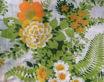 ON SALE Retro Floral Sheer Curtain Fabric Yardage, Vintage Home Decor, 12.75yds