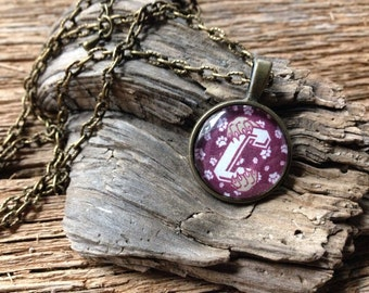 College of Charleston cougars necklace: CofC cougar paw necklace
