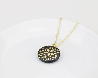 Porcelain necklace petals - black