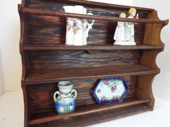 Primitive french style wood plate rack wall hanging shelf for Kitchen display wall