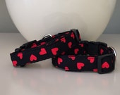 Dog Collar / Small Size - Black w Red Hearts