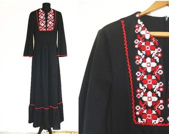 ON SALE 1970s Black Maxi Dress