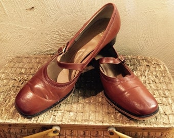 Classic 60s Rockabilly Boho Mary Jane Strap Low Heel VIntage Shelby Fifth Avenue Jackie O Mod Hipster 12 2AA/4AA