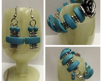 Memory wire bracelet with matching earrings