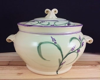 Lavender purple casserole pottery baking dish green and cream ceramic casserole dish and lid ceramic baking dish cookware wedding gift