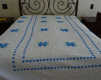 Vintage Chenille Bedspread, White with blue flowers, Gorgeous