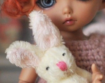 Lovely Bunny miniature for BJD dolls Lati Yellow Pukifee Barbie Blythe Pullip... dolls diorama dollhouse furniture